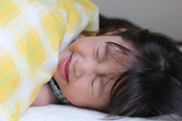溶連菌の喉の痛みはいつまで?症状や潜伏期間、完治の期間とは?