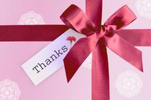 高校生の母の日のプレゼントは何がいい?予算やメッセージの例文は?