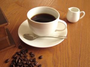 コーヒーの飲み過ぎってどれくらい?メリットやデメリットは?